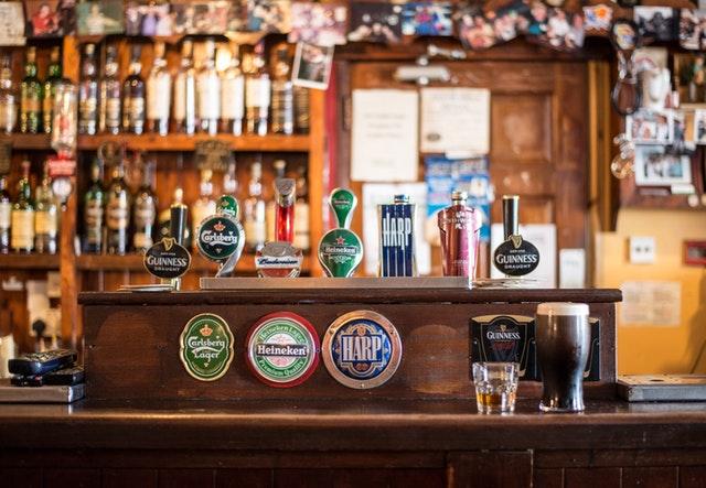 Pub crawl Barcelona top 10 pubs in Barcelona
